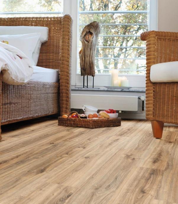 Naravne vinilne talne obloge Traditional Oak brown - vinil Wineo purline 1000 Wood