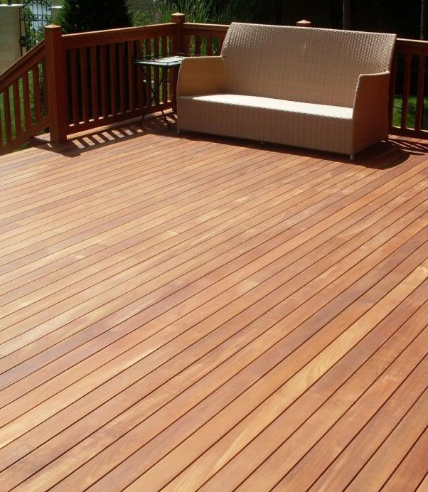 Zunanja lesena terasa iroko - Vogart les za terase