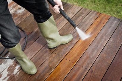 Vzdrževanje in čiščenje lesene terase